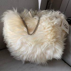 NTW UGG Puff Fur round sheep chain bag